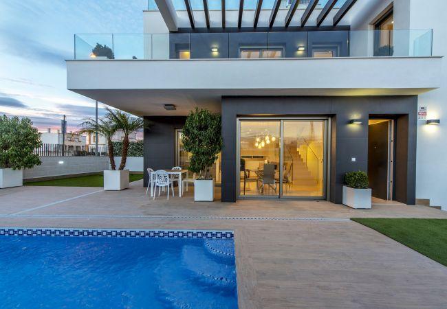 Villa in Orihuela Costa - REF 3061