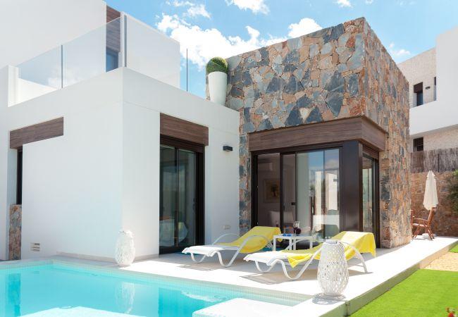 Villa en Algorfa - REF 3057