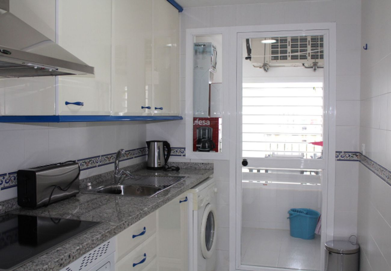 ZapHoliday – 2105 – locacion appartement à  La Duquesa, Costa del Sol – cuisine