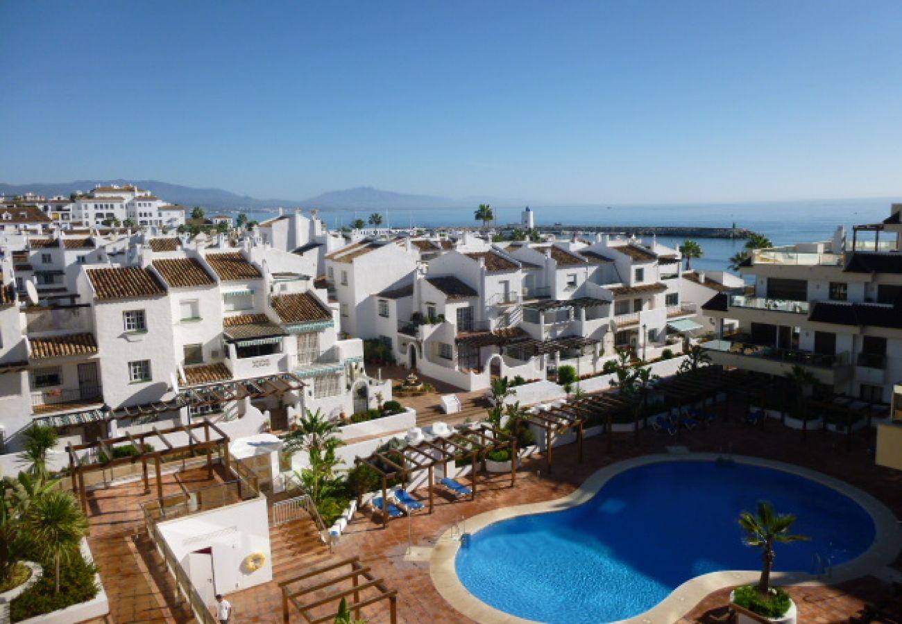 Zapholiday – 2129 - appartement  La Duquesa, Costa del Sol - piscine