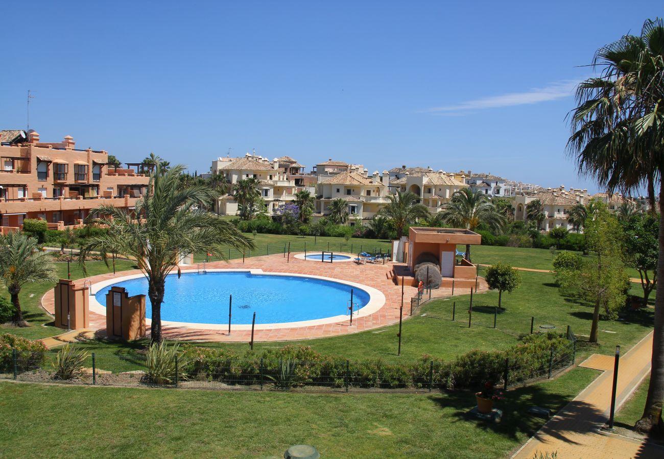 Zapholiday - 2180 - Location appartement Casares, Malaga - Piscine