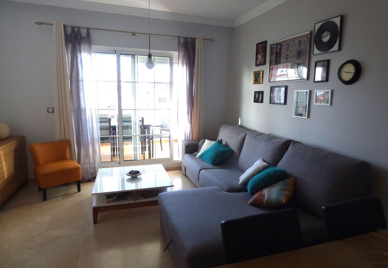 Zapholiday - 2189 - location appartement Sabinillas - salon TV