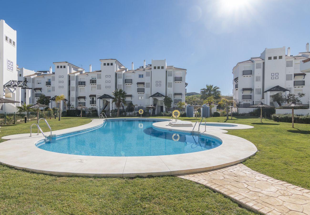 Zapholiday – 2197 – Location appartement Manilva – piscine