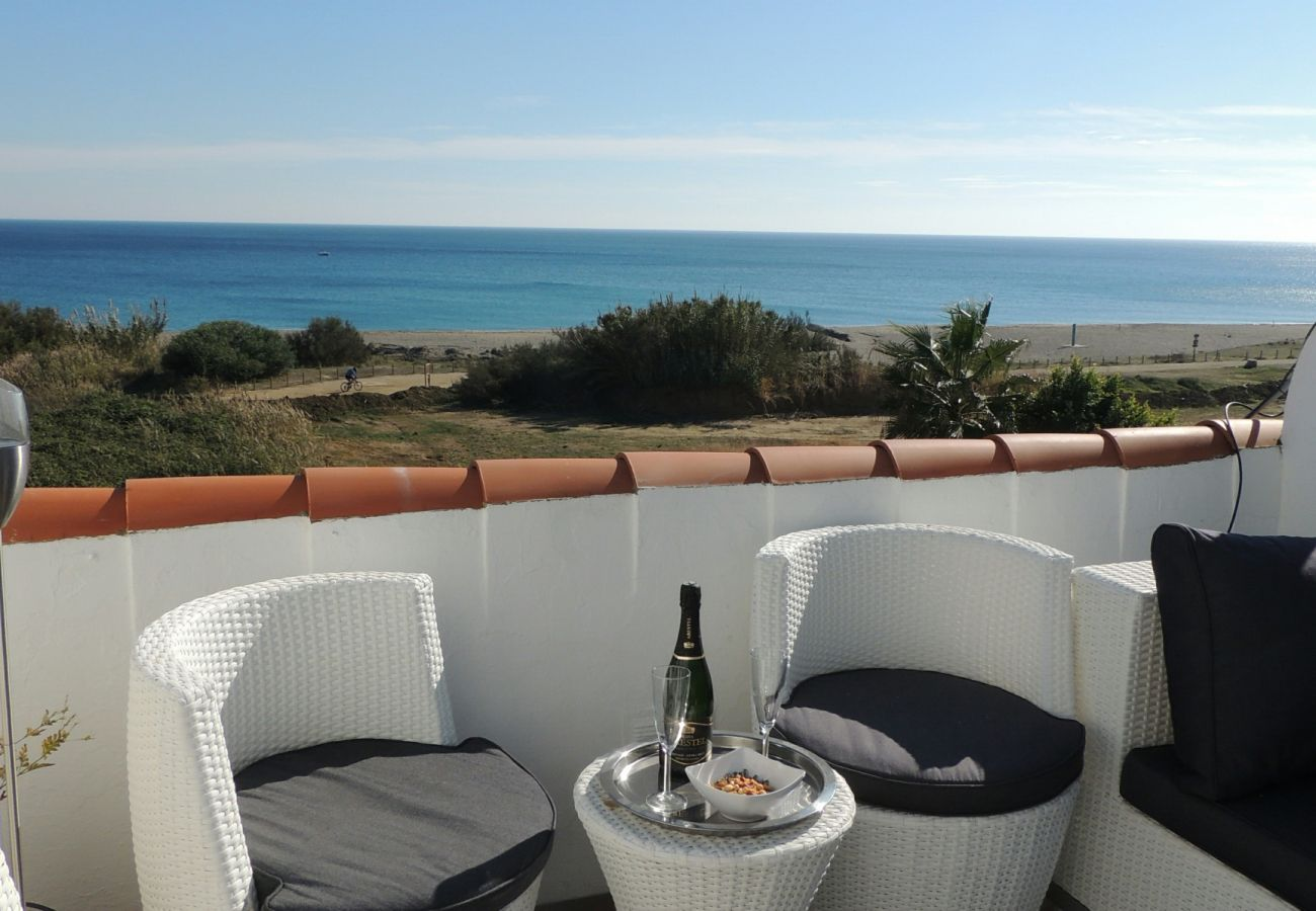 Zapholiday – 2203 – Location vacances villa Manilva - terrasse