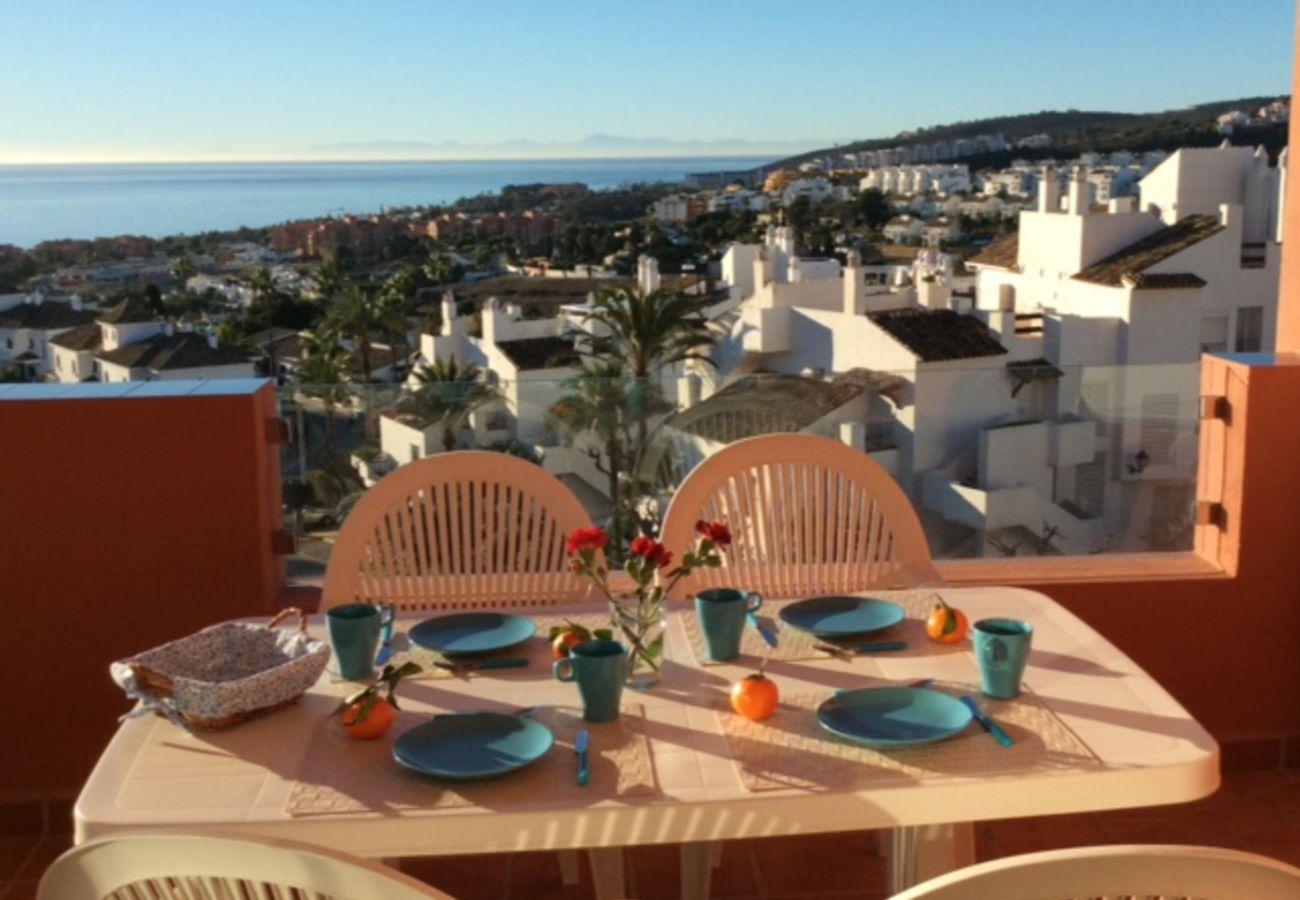 Zapholiday - 2208 - Appartement de vacances La Duquesa - vue mer
