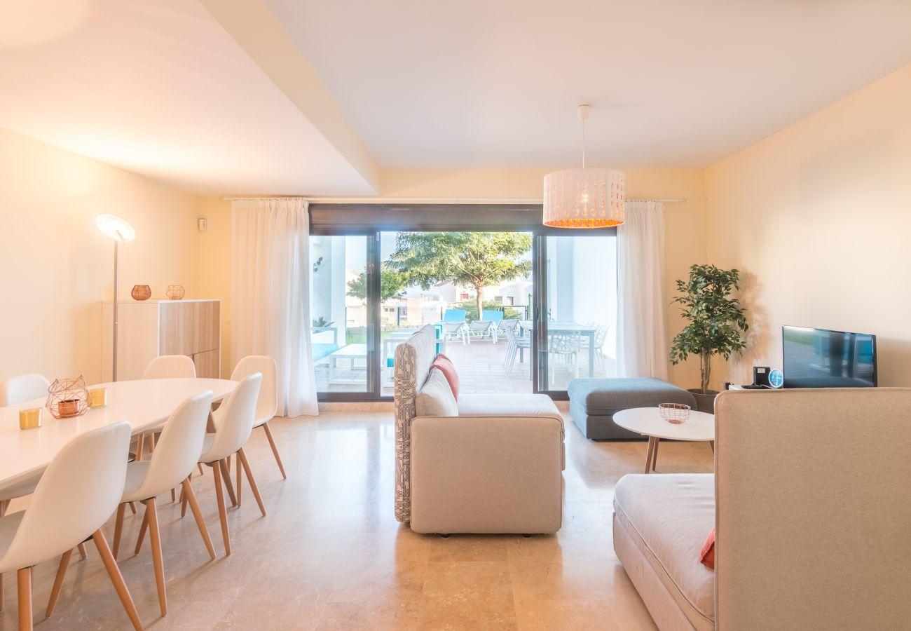 Zapholiday – 2209 – Location villa Alcaidesa - salon