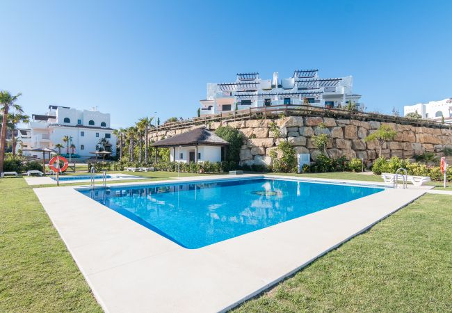 Zapholiday - 2223 - location appartement Casares - piscine