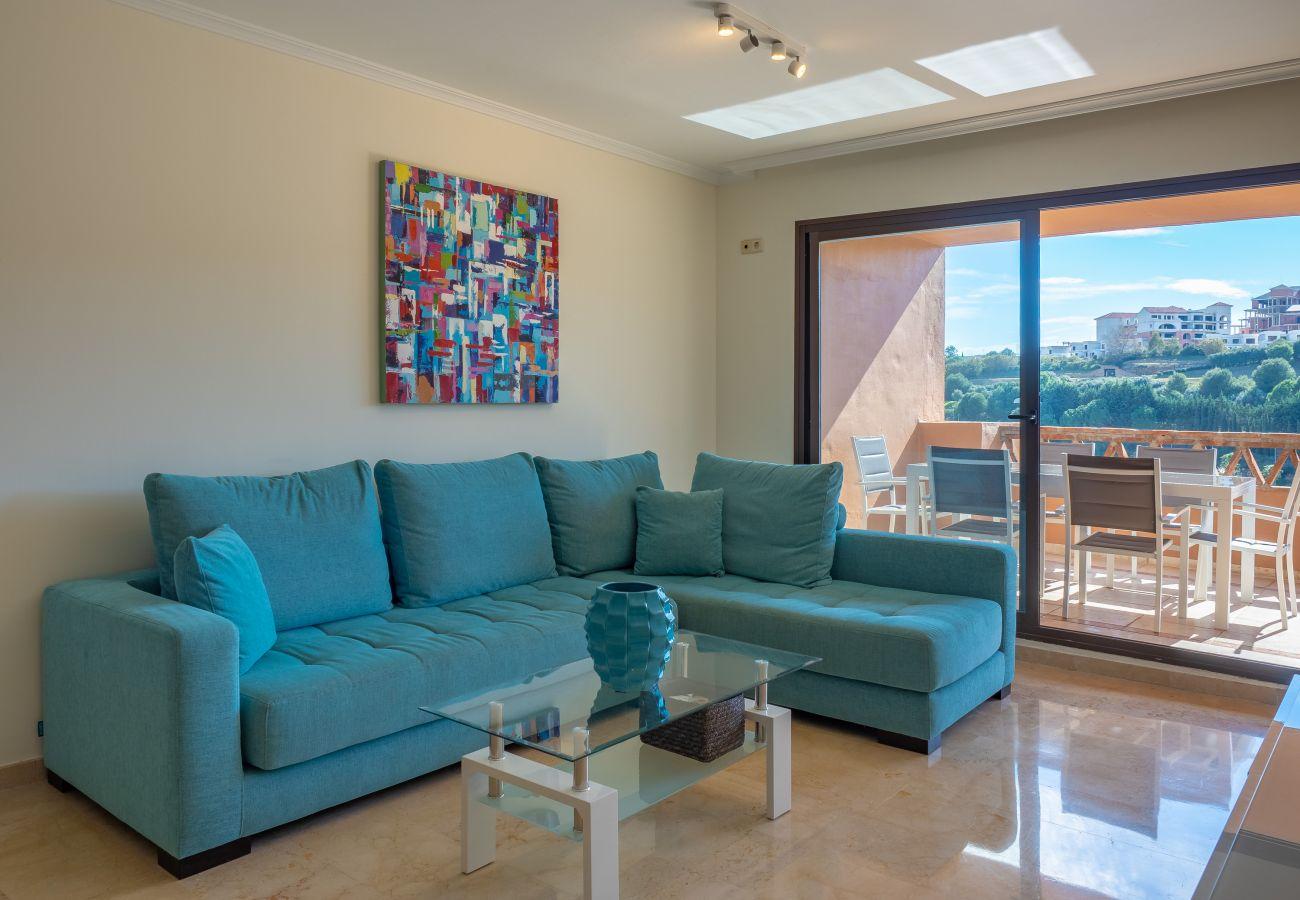 Zapholiday - 2225 - location appartement Casares - salon