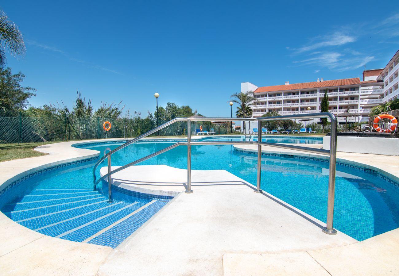 Zapholiday - 2243 - location appartement Manilva - piscine