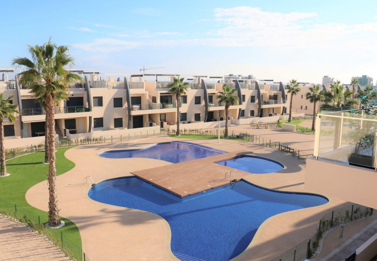 Zapholiday  –  3022  -  appartement Mil Palmeras, Costa Blanca  –   piscine