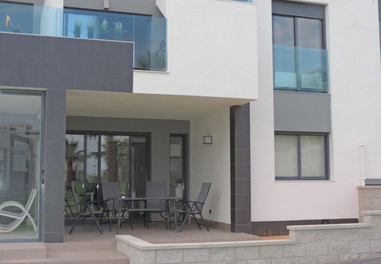 Zapholiday  –  3023  -  appartement Punta Prima, Costa Blanca  – terrace