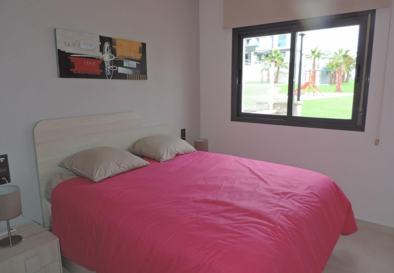 Zapholiday  –  3023  -  appartement Punta Prima, Costa Blanca  – chambre