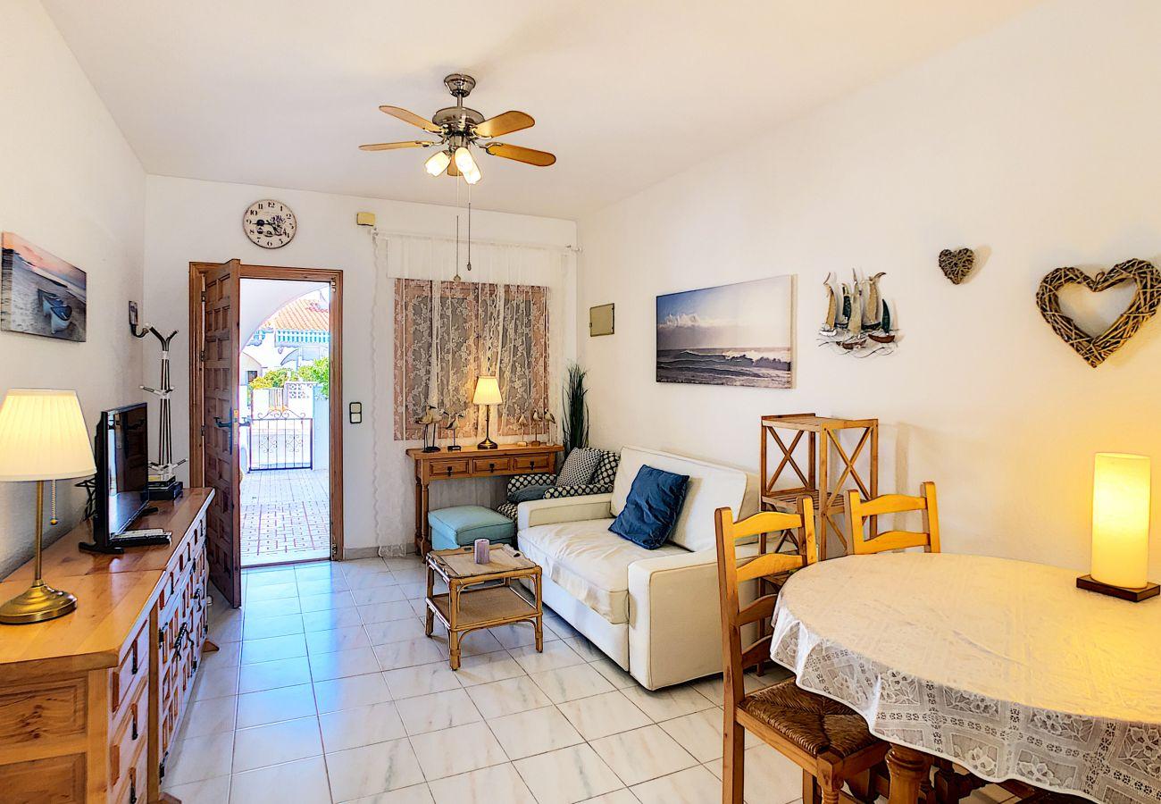 Zapholiday  -  3046  -  location apartement Villamartin, Costa Blanca  –  salon