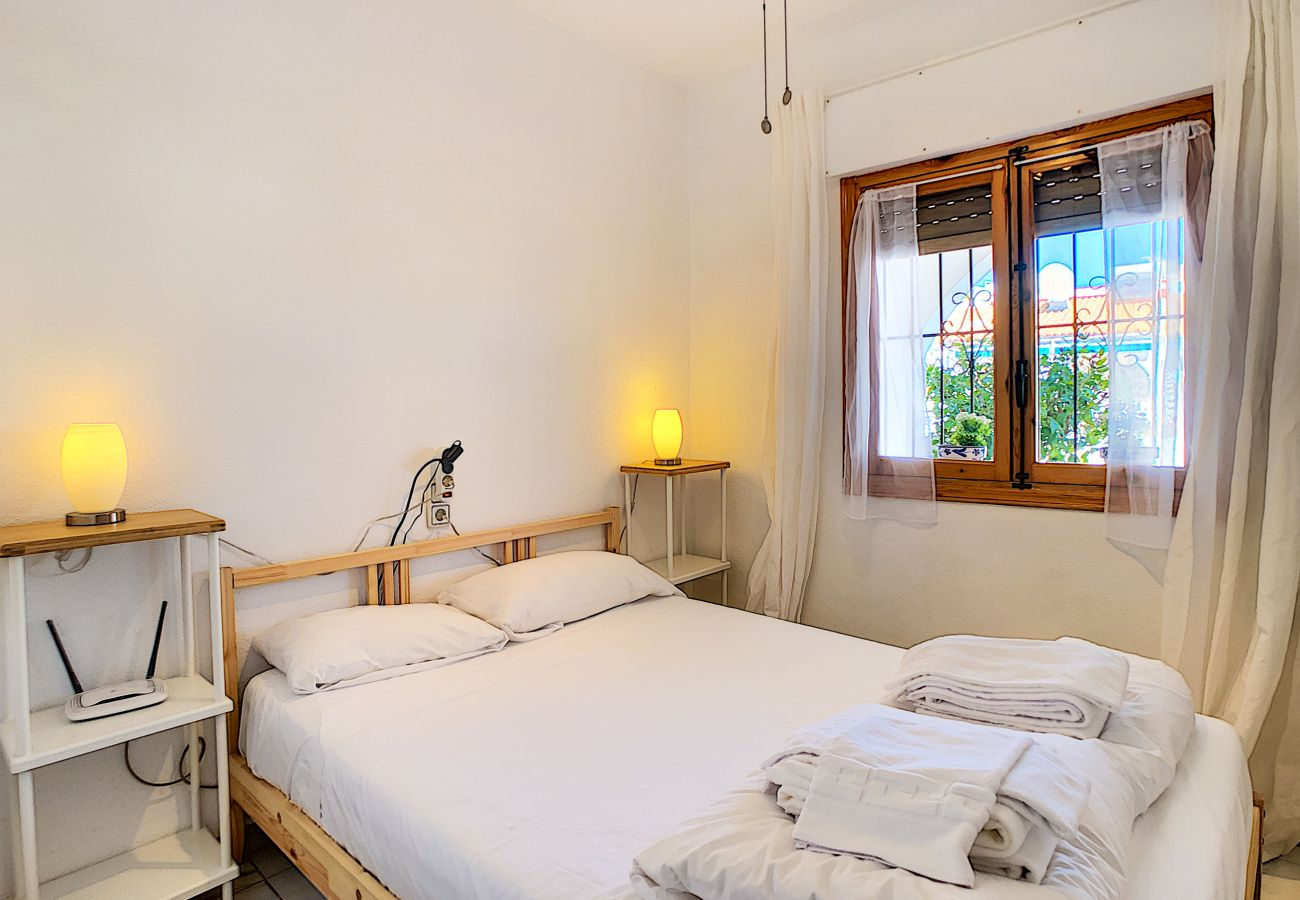 Zapholiday  -  3046  -  location apartement Villamartin, Costa Blanca  –  chambre
