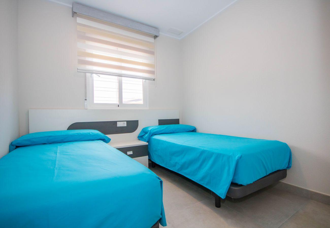 Zapholiday  –  3049  -  appartement Punta Prima, Costa Blanca  – chambre