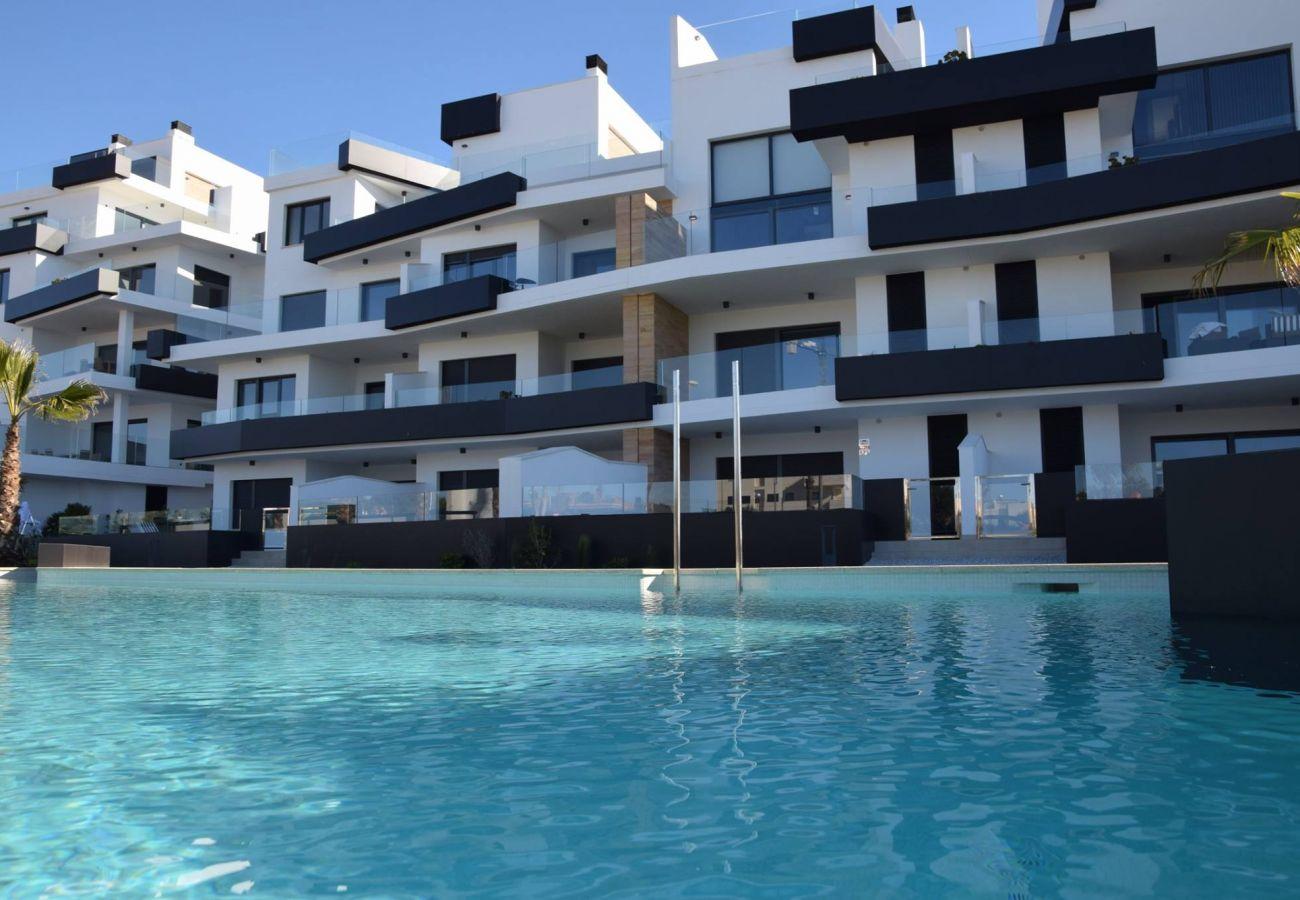 Zapholiday  -  3055  -  Appartement Orihuela Costa, Costa Blanca  –  piscine