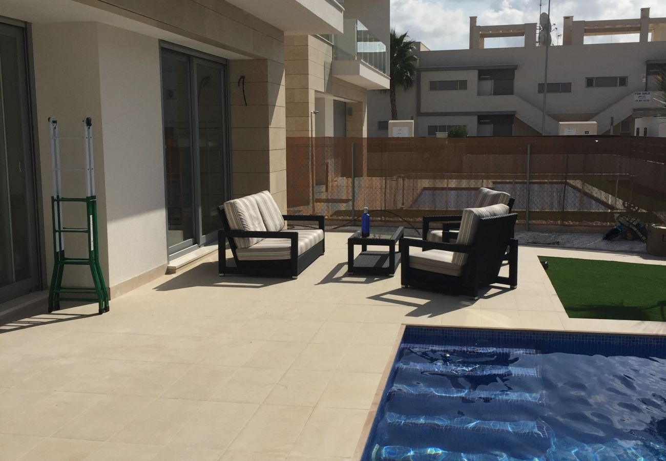 Zapholiday – 3018  - villa Orihuela , Alicante - terrace