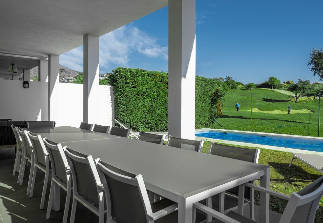 Zapholiday – 2301  - Villa Estepona, Costa del Sol –  terrace