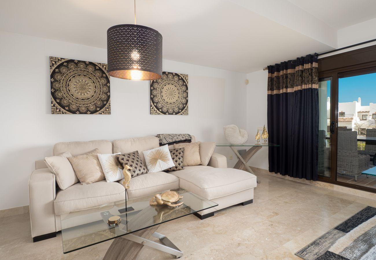 ZapHoliday - 2305 - apartment rental in La Alcaidesa, Costa del Sol - salon