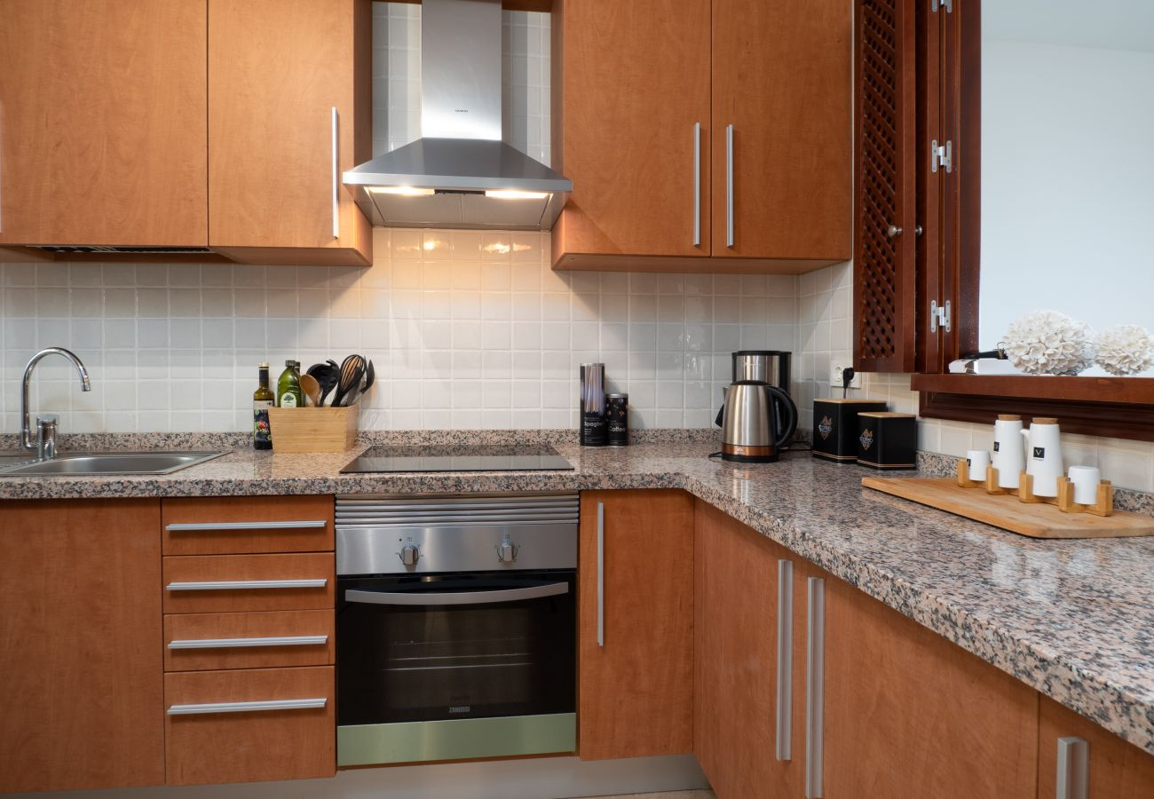 ZapHoliday - 2305 - apartment rental in La Alcaidesa, Costa del Sol - cuisine